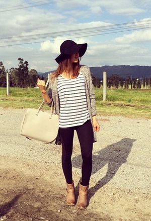 Look by @pnlop with #casual #zara #hm #verano #ankleboots #jeans #stripes #pants #primavera #black #botas #hats #bags #comfy #new #fashion #cool #outfit #plus #simple #uni #outfits #look #looks #blackpants #onyourhead.