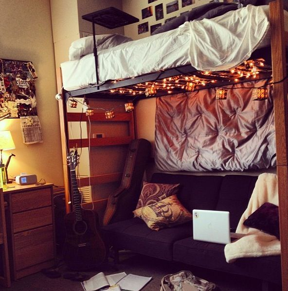 Awesome Dorm And Lounge Area With Hanging Lights Part 66