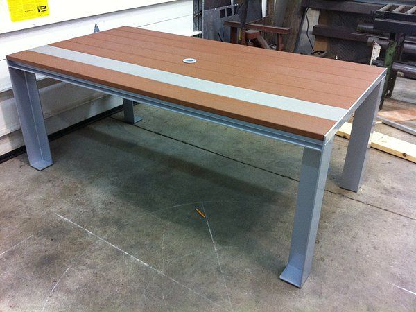 Forza Metal | Residential  Aluminum patio table