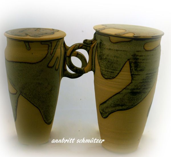 Double walled take away mug .Wheelthrowed i one piece..Stoneware ,private glaze.