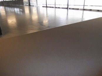 Industrial self-levelling screed in warehouse