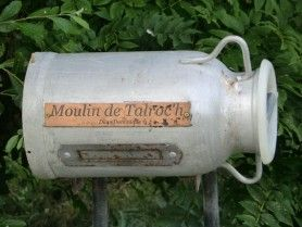 boite aux lettres, melrand, Bretagne, France.