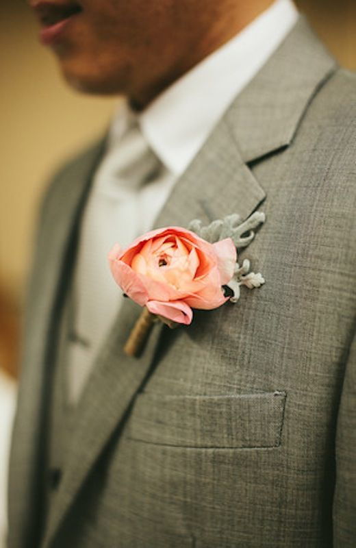 Peach Boutonniere | Grey Suit | Pearl Events Austin | Last Petal | Andrew Chan Photography