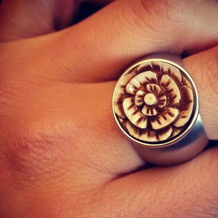 noosa chunk und pavo real ring