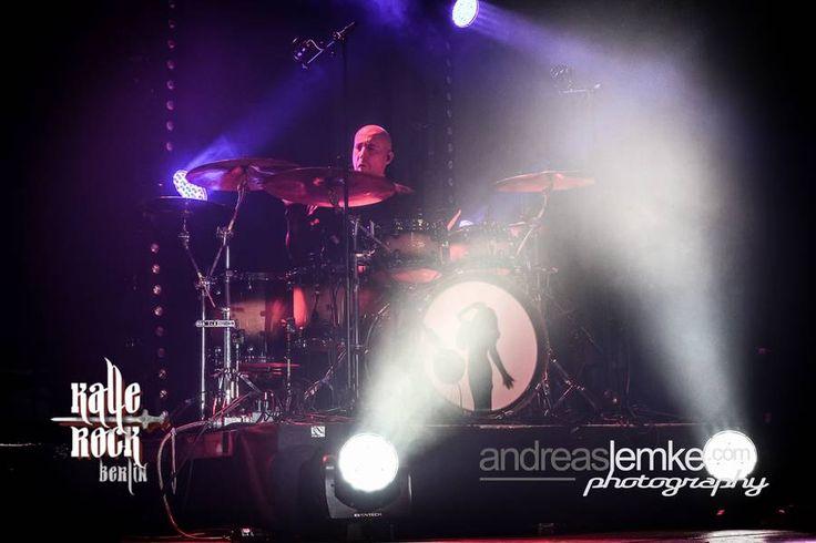 Tim Shreiner playing for Tarja Turunen live at Huxleys Neue Welt, Berlin, Germany. The Shadow Shows, 10/10/2016 #tarja #tarjaturunen #theshadowshows #tarjalive PH: Andreas Lemke Photography https://www.facebook.com/andreaslemkephoto/ for Kalle-Rock.de http://www.kalle-rock.de/konzertfotos/konzerte-2016/konzertgalerie/1306/
