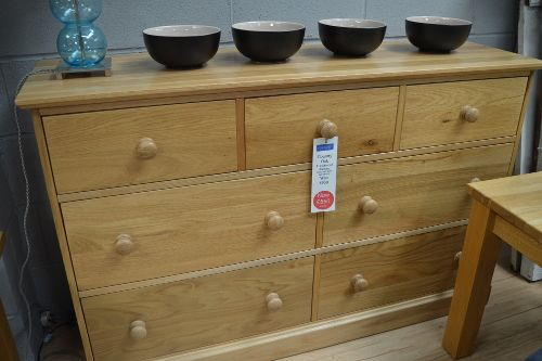 Corndell Country Oak Chest of Drawers - Reduced from £950 to only £550!
