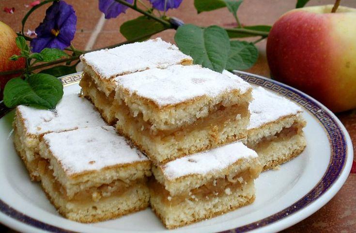 Prăjitură fragedă cu mere(de post). O prăjitură gustoasă cu ingrediente la indemana tuturor • Gustoase.net