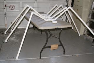 DIY pvc pipe giant lawn spider tutorial from Sew Crafty Girl