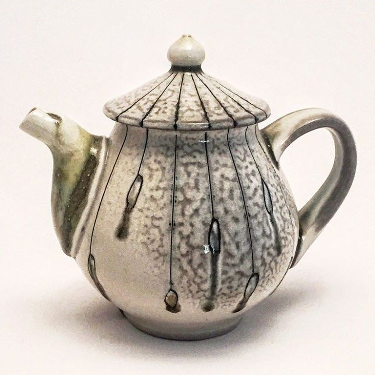 Love the spout on this teapot! Instagram photo by @pdblais • @lornameadenpottery