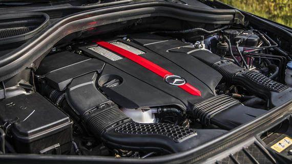 Двигатель внедорожника Мерседес-AMG GLE43 2017 / Mercedes-AMG GLE43 2017