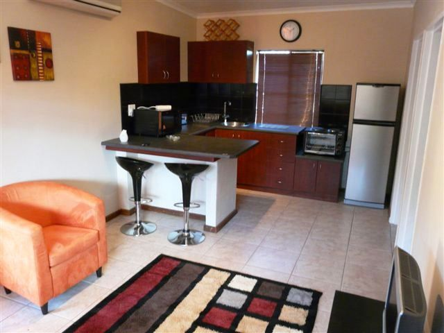 Karin's Self-catering Apartments - Karin's Self-catering Apartments is situated in the lovely town of Worcester and offers guests a comfortable stay.  Each air-conditioned apartment consists of a bedroom that is furnished with two single ... #weekendgetaways #worcester #southafrica