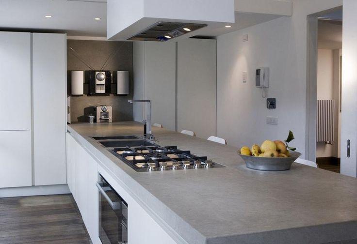 Top cucina grigio chiaro : CUCINA BIANCA CON TOP GRIGIO - MyItalia