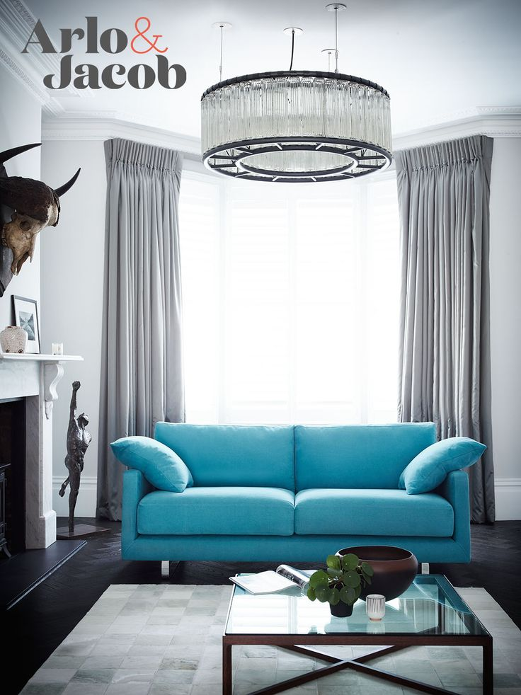 Dixon Medium in Brushed Cotton Linen Mix – Ocean Long and deep with stiletto legs. Dixon is as classy as it is strong.