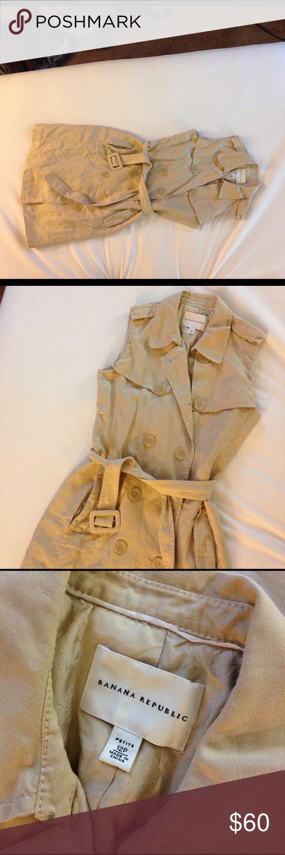 Banana Republic sleeveless trench coat size 12P Double breasted khaki trench coat. Shell: 61% linen 39% silk. Matching belt. Banana Republic Jackets & Coats Trench Coats