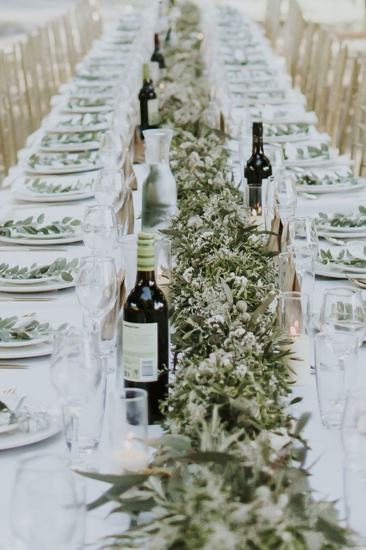 Native greenery garland for Tuscan inspired wedding reception | Nectarine Photography