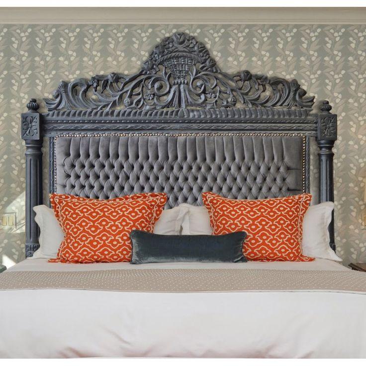 Tête de lit Baroque tissu velours gris et bois laqué gris  http://www.homelisty.com/tete-de-lit-baroque/