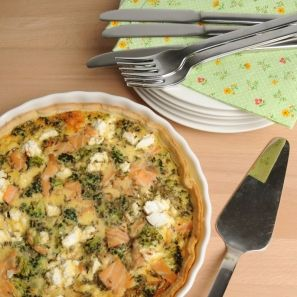 Quiche met zalm, broccoli en geitenkaas - Dille & Kamille