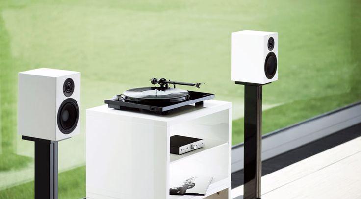 Als 2-Wege-Kompakt-Monitorlautsprecher bezeichnet Pro-Ject Audio Systems die neue Pro-Ject Speaker Box 5 DS2 und damit den kleinsten Spross der neuen Speaker Box DS2 Serie.