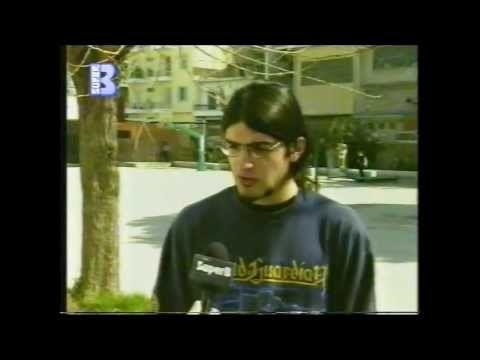 """Ο Μάριος Κουτσούκος στον τηλεοπτικό σταθμό Πατρών """"Super B"""", 2001, μιλά για το πρώτο του μυθιστόρημα (""""Η Πύλη"""", εκδόσεις Λιβάνη)"""