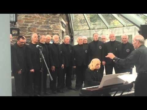 Polperro Fishermen's Choir - Festival of the Sea 2016 - YouTube