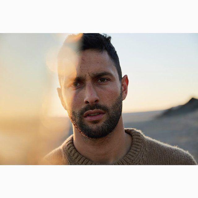 "89 Beğenme, 6 Yorum - Instagram'da ⠀⠀⠀⠀⠀⠀⠀⠀ ⠀ Noah Mills (@noahmillsfans): ""#Repost @shotbymo_ ・・・ ""Noah"" 💜🔥 #Noahmills#mensfashion#model#actor"""