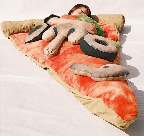 what the heck!? ahahahahhahahhaha: Pizza Beds, Sleepy Time, Sleep Bags, Gifts Ideas, Sleeping Bags, Pizza Sleep, Sleep Pizza, Pillows, Kid