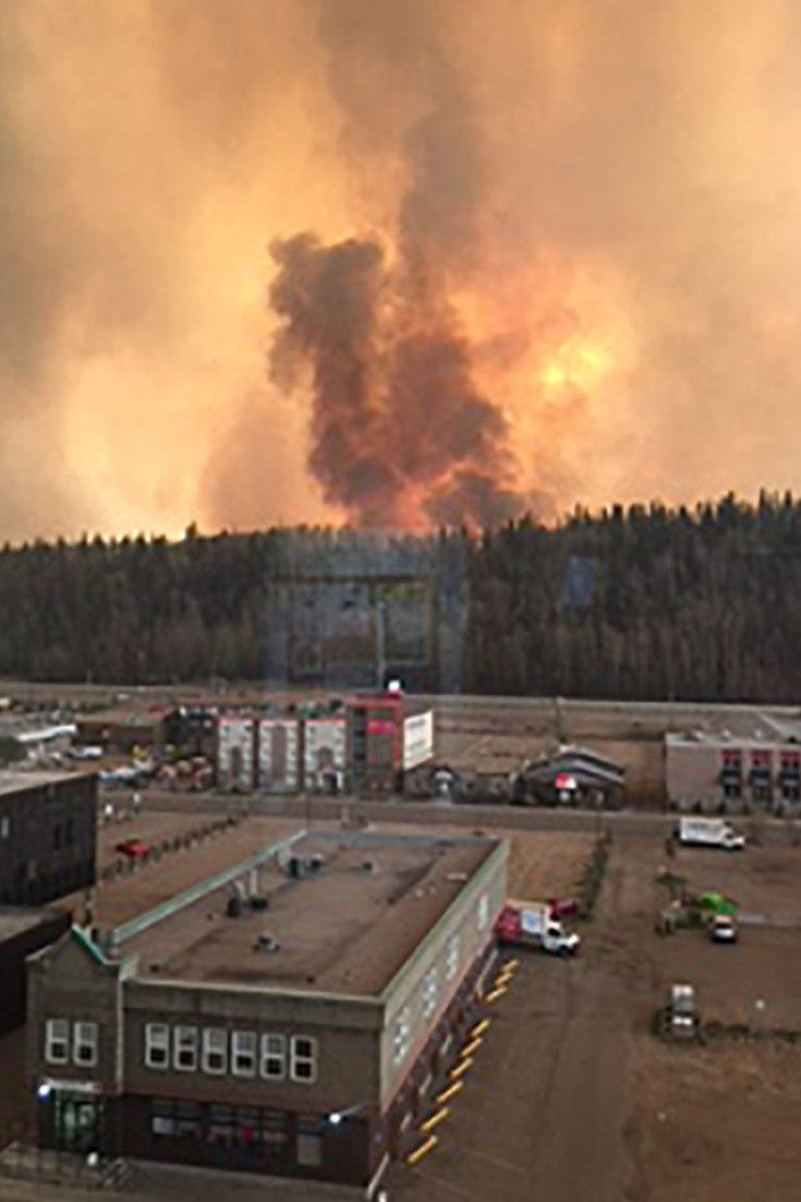 Fort McMurray Fire Videos Show Apocalyptic Scenes