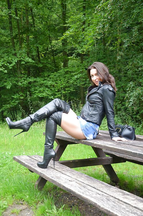 bboott thighs high boots boots fetish knee boots posts thighs boots ...: https://www.pinterest.com/pin/480829697689011246
