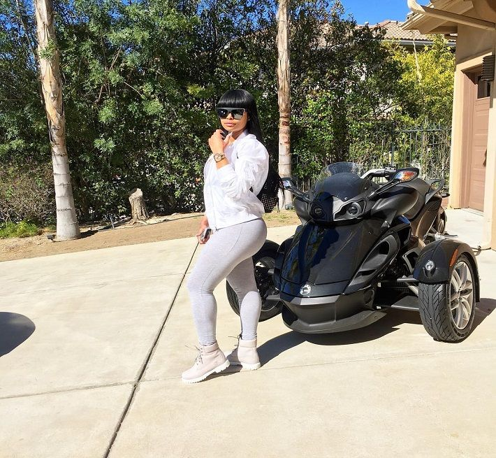 Blac Chyna Pregnant with Rob Kardashian's Baby? Quits Drinking for New Little Kardashian - http://www.australianetworknews.com/blac-chyna-pregnant-rob-kardashians-baby-quits-drinking-new-little-kardashian/