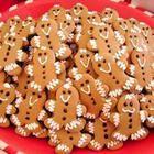 Foto da receita: Biscoitos de bonequinhos de gengibre
