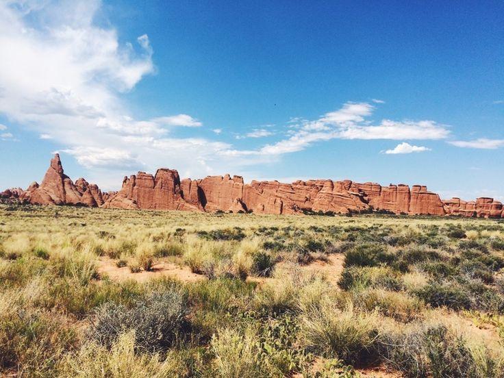 Week 1: Colorado & Utah — martha + lyuda. Road Trip, Wanderlust, Utah, Moab, Red Rock, Outdoors, Hiking, College, USA Trip, Travel, Fashion Blogger, Lifestyle Blog, Style Blogger