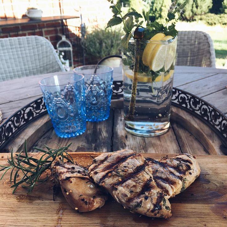 Prosty kurczak niesamowity smak. A Wy jakich przypraw używacie aby nadać mięsu wyjątkowy aromat? #grill #grillgazowy #kurczak #broilking #broilkingpl #broilkingpolska #mniam #grillowanie #niedziele #vsco #vscocam