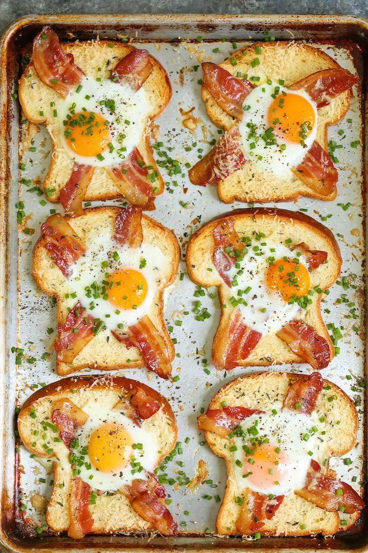 Sheet Pan Egg-in-a-Hole – Ein schneller Klassiker, der direkt auf einem …   – Sandwiches