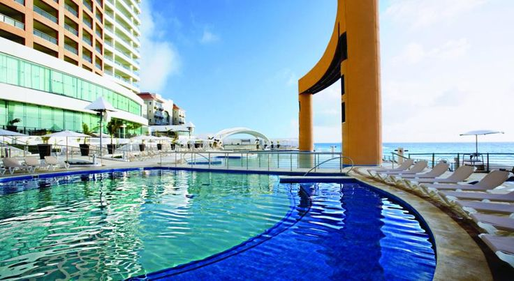 Beach Palace All Inclusive Cancun Resort. Book a Luxury All Inclusive Resort in Cancun on a great beach location just minutes from the Cancun Airport in the Hotel Zone. #CancunAllinclusiveResorts #Cancun #Hotels #Travel #Mexico