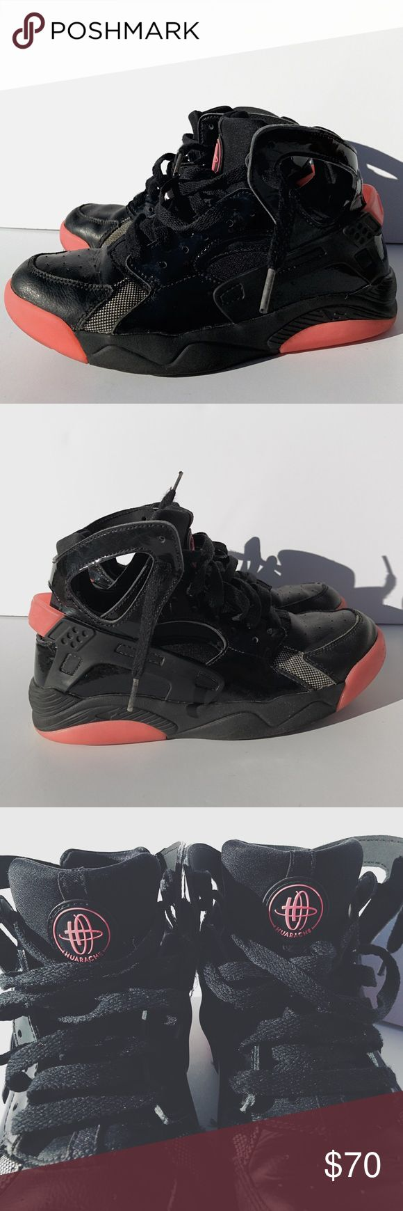 Nike Air Flight HUARACHE Great condition! High top Nike HUARACHE. Size 5.5Y or Women's 6.5. Nike Shoes