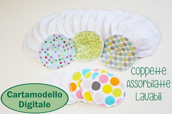 Allatta nel modo più naturale e sano, con le coppette assorbilatte lavabili! In più, le istruzioni per un sacchetto per il lavaggio! Cartamodello digitale di Cucicucicoo Patterns: www.cucicucicoo.com