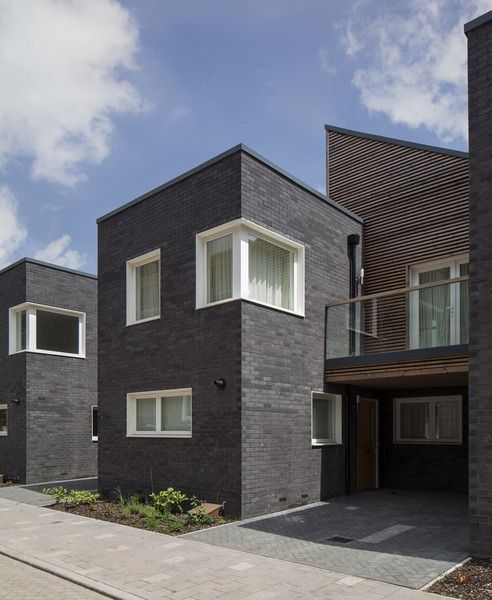 Barking Riverside residential development in Greater London by Sheppard Robson. (Photograph by Simon Kennedy)