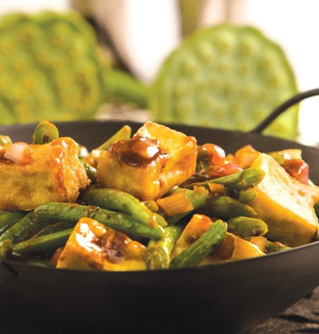 Tofu and Long Bean Stir-Fry,Indonesian delicacy.