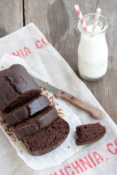 Torta light al cacao, senza burro, senza uova, senza olio e senza latte