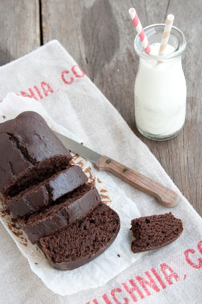 Torta light al cacao, senza burro, senza uova, senza olio e senza latte via @labna