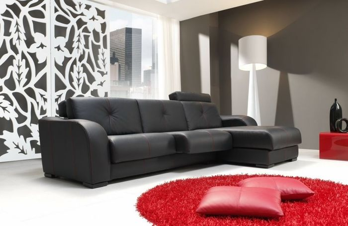 Sal n en negro y blanco con toques de color rojo por for Muebles de salon negros