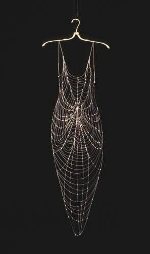Spider Costume--Spider Dress...Haute Goth, as far as I'm concerned. I mean: LOOK AT THE CONSTRUCTION! ♥ Unfortunately, designer/artist attribution N/A, as image is via re-pin... Regardless, THE REGALIA † This.Is.Decadence! †