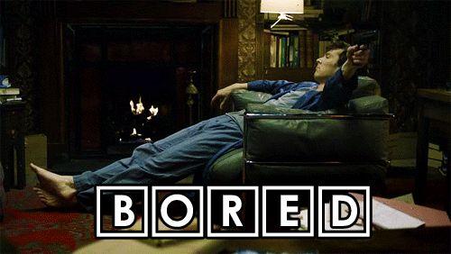 Sherlock : 3:00 am , que hora tan oportuna para estar aburrido