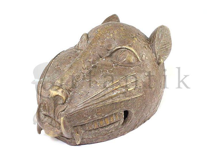 "Sculptura bronz Benin. Tehnica "" cerii pierdute """
