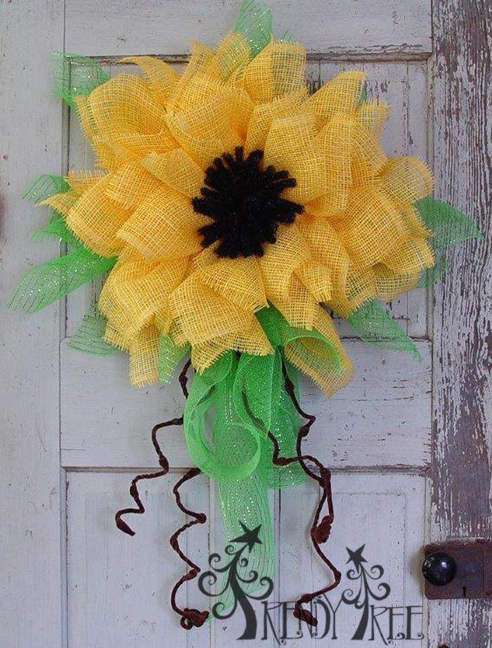 Yellow Paper Flower Tutorial - Instructions on the Trendy Tree Blog!  #TrendyTree