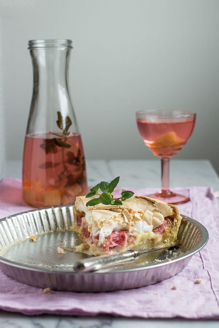 Tarta z rabarbarem i bezą | chilitonka