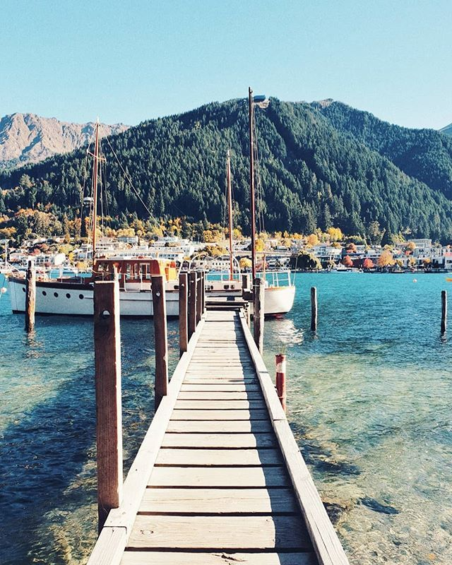 Queenstown a little city surrounded by stunning mountains and the amazing Lake Wakatipu.. Love this place  #NewZealand