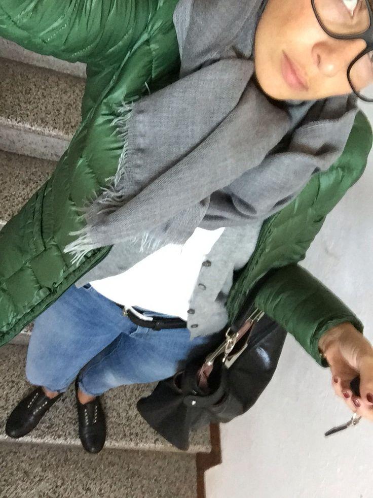 Emerald green light down jacket + grey scarf