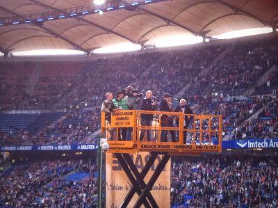 Lotto King Karl im HSV Stadion. Auftritt vor dem Heimspiel. http://www.hamburg-fotos-bilder.de/