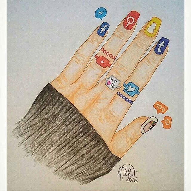 Social nails! Comment your favorite! Artwork by @Hanna_etti Tag your friends#topartpage